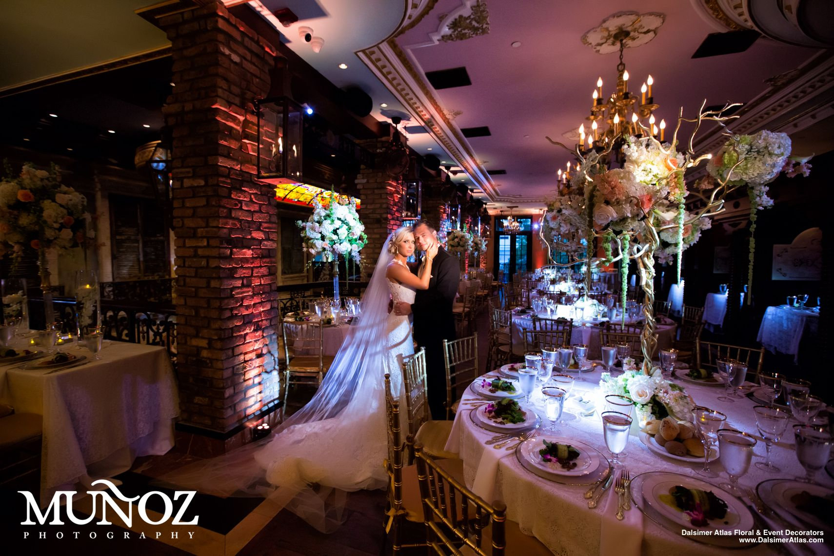wedding-florist-flowers-decorations-cruz-building-coconut-grove-florida-dalsimer-atlas-19