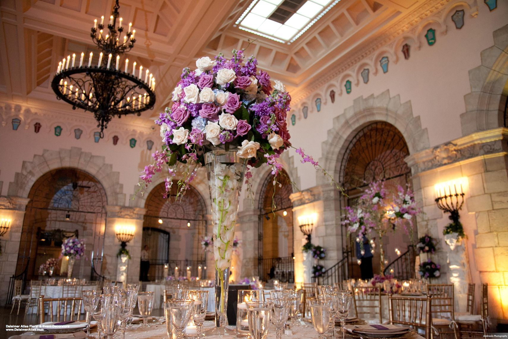 wedding-florist-flowers-decorations-wedding-flagler-museum-palm-beach-florida-dalsimer-atlas-21